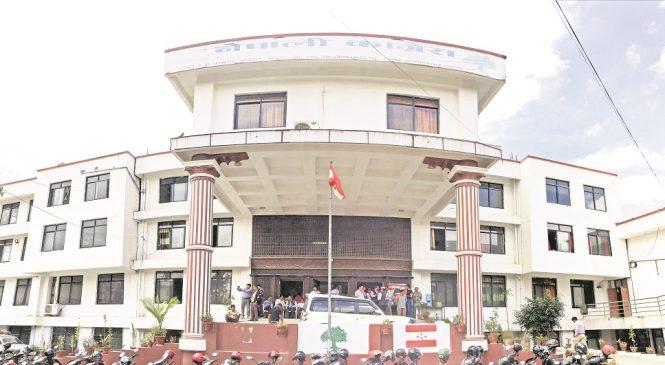 नेकपा र कांग्रेस केन्द्रीय कार्यालयका मुख्य नेताका कार्यकक्षमा ताला, निवासबाटै भेटघाट र गुटका गतिविधि
