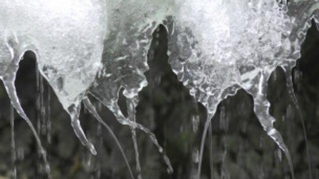 ग्रीनल्यान्डमा बरफ पग्लिने क्रम जारी