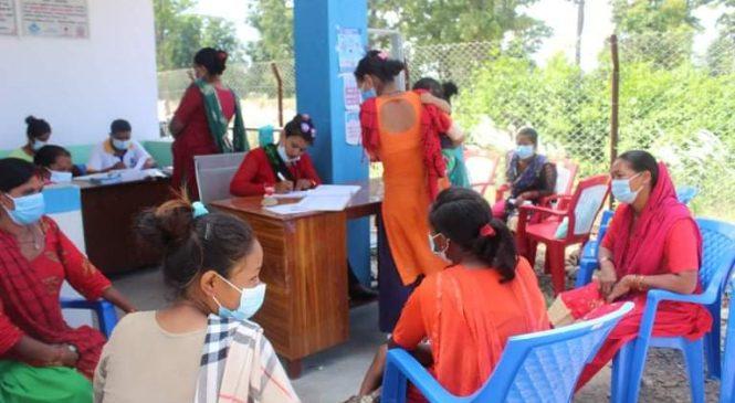 गाउँमै इम्पलान्ट शिविर, ४७ जना महिलाले राखे इम्प्लान्ट