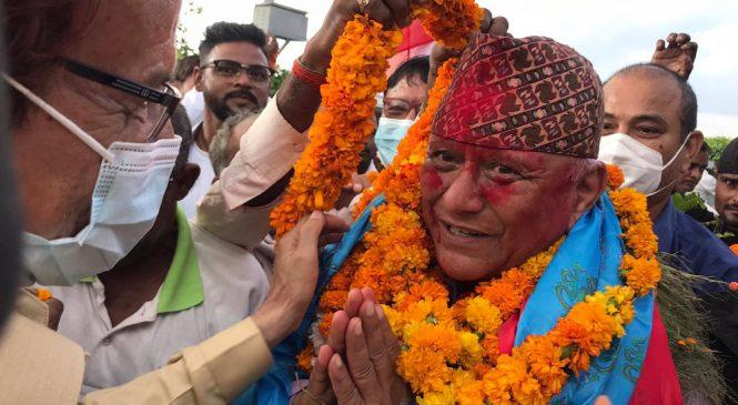 गजेन्द्रको भब्य स्वागतमा जुट्यो बाँके काङ्ग्रेस, राजनीतिमा पुनरागमनको सङ्केत